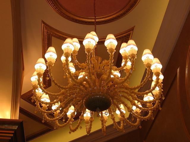 9 What Do Your Ceiling Lights Say About You?