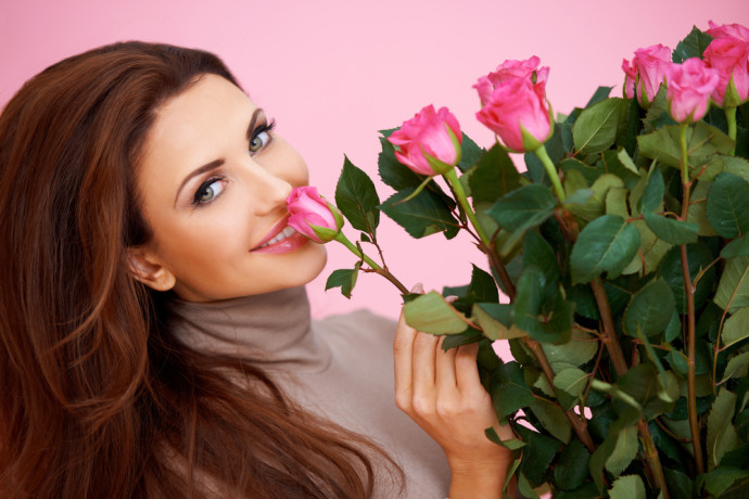 shutterstock 125253893 Reasons Why Women Continue to Want to Receive Flowers Revealed by Michael Dark Research