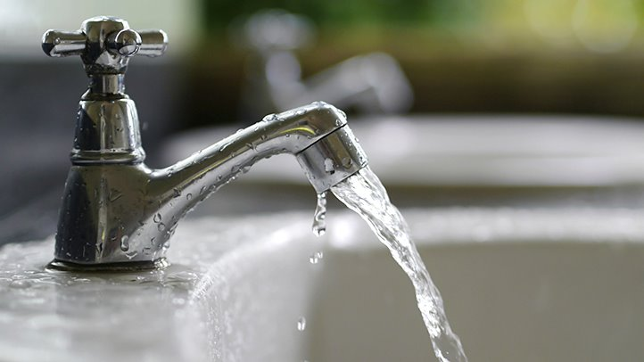 how-safe-is-your-drinking-water-722x406